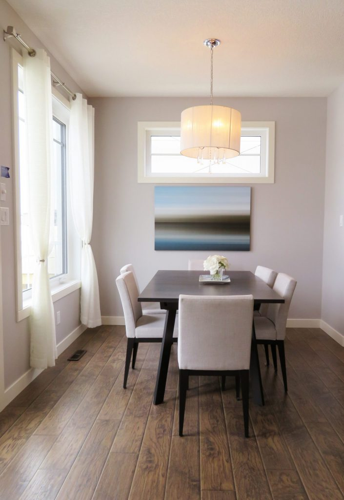interior painting of dining room by painters in Ottawa PG PAINT & DESIGN