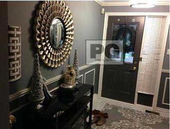 interior painting of front entrance hallway and door by PG PAINT & DESIGN
