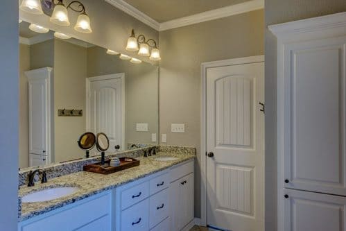 interior painting of bathroom with semi gloss paint finish by painters in Ottawa PG PAINT & DESIGN
