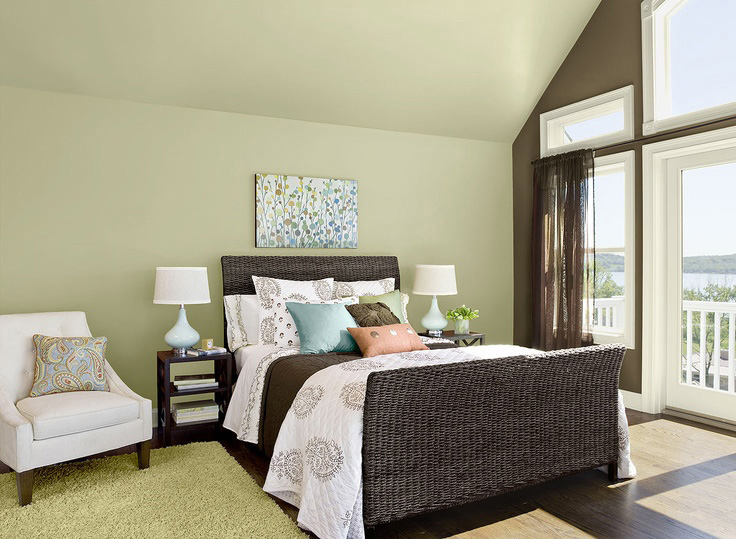 bedroom in Guilford Green Historic Colour collection by Benjamin Moore