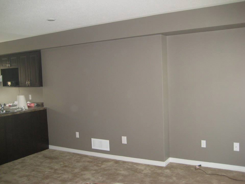 interior painting of walls with flat paint finish and sheen by PG PAINT & DESIGN Ottawa House Painters